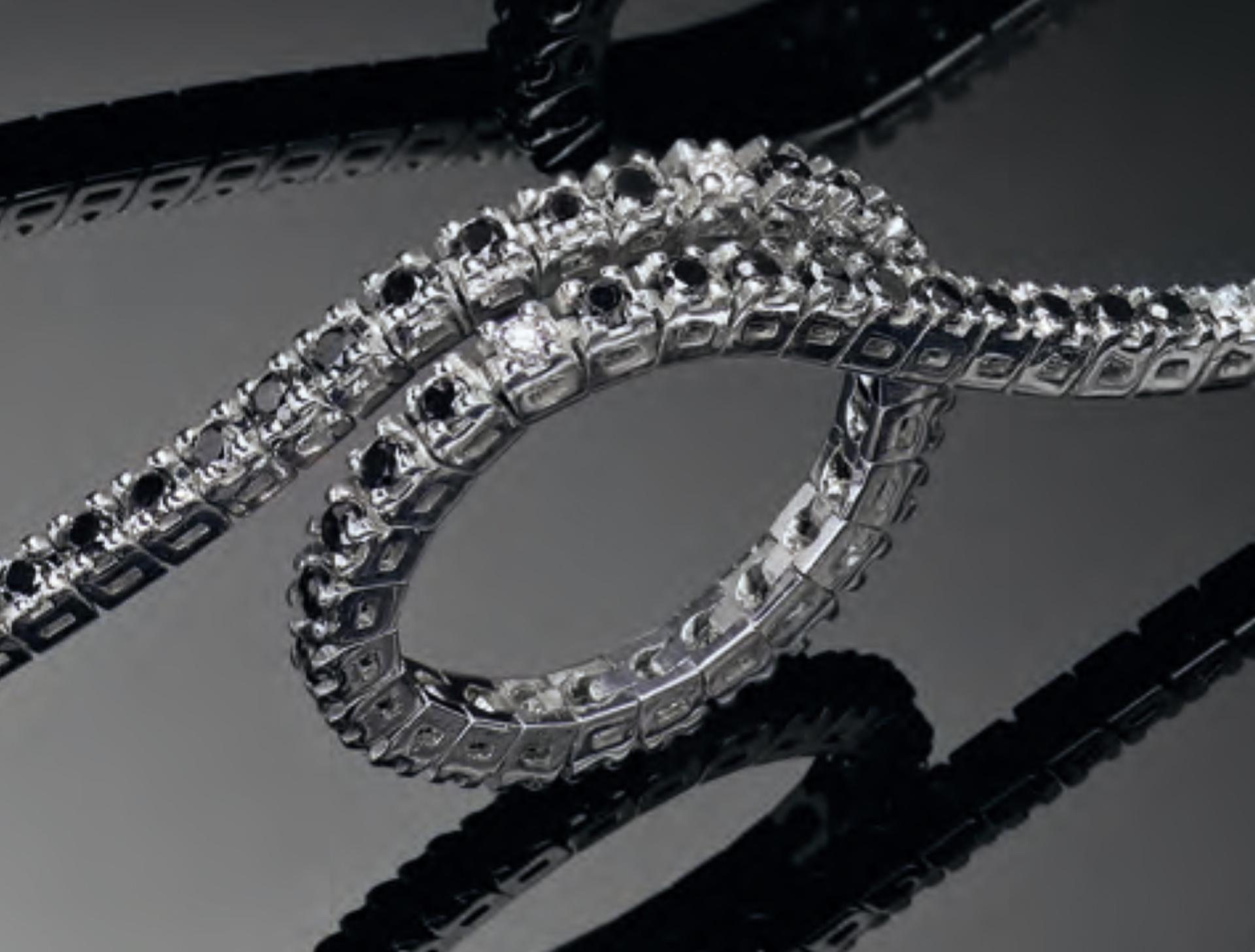accogliente fresco 100% di alta qualità scarpe casual Bracciale Tennis Diamanti Bianchi e Neri - Temporo